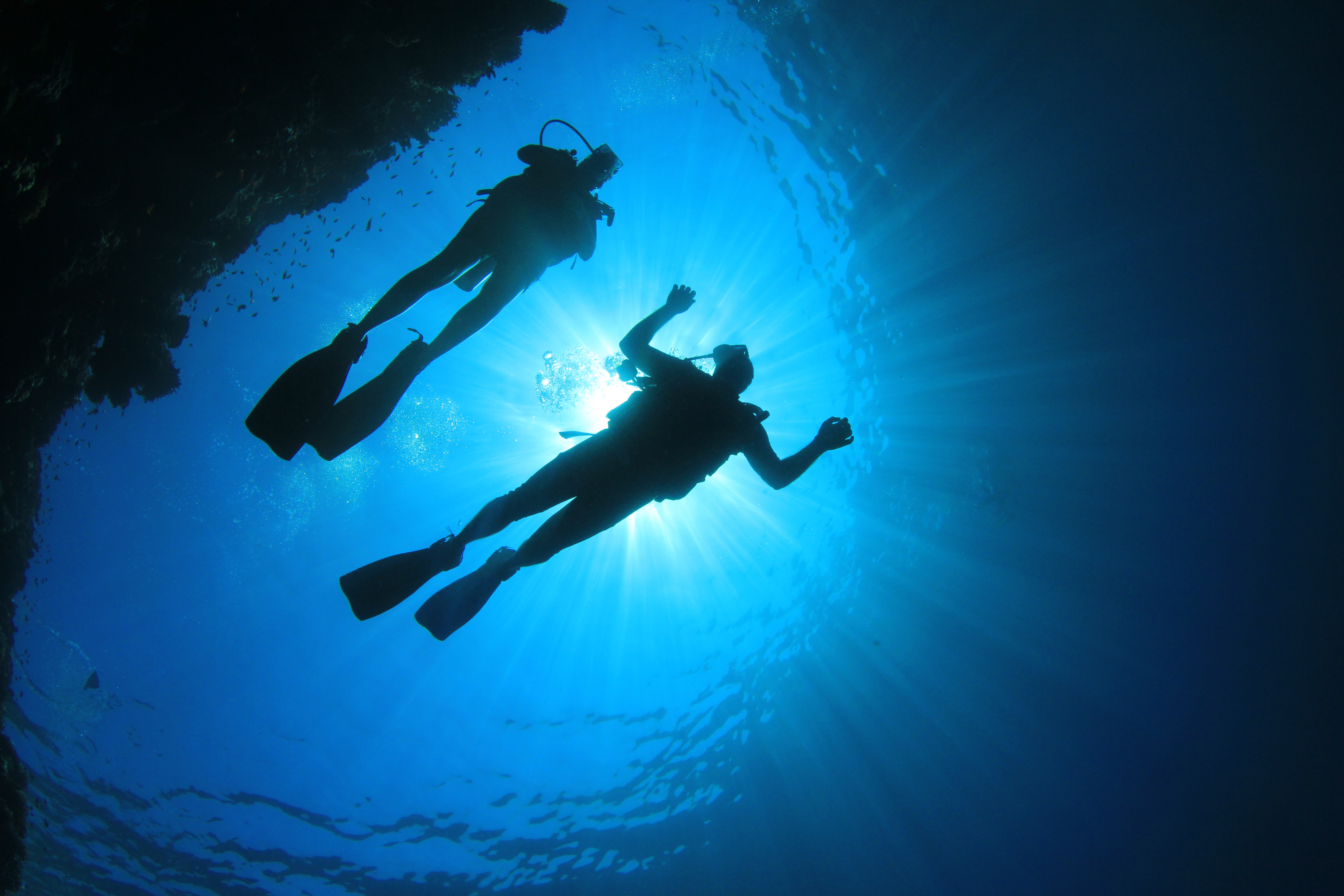 Two Scuba Divers in Oahu with Hawaii Eco Divers