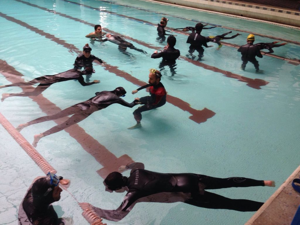 Apnea training reaches lifeguards, surfers and marine officials in Chile