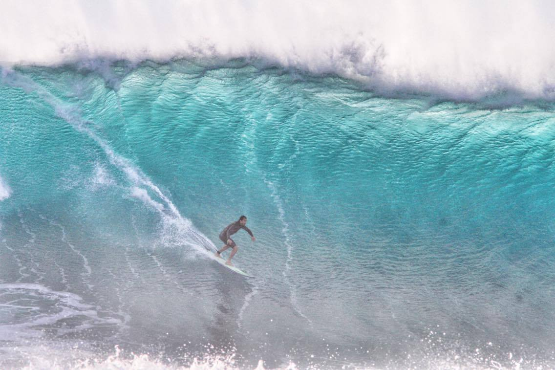 surf big waves after Apnea training and surf survival course in Oahu